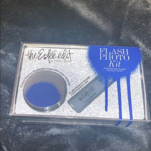 The Estée Edit Flash Photo kit powder and gloss